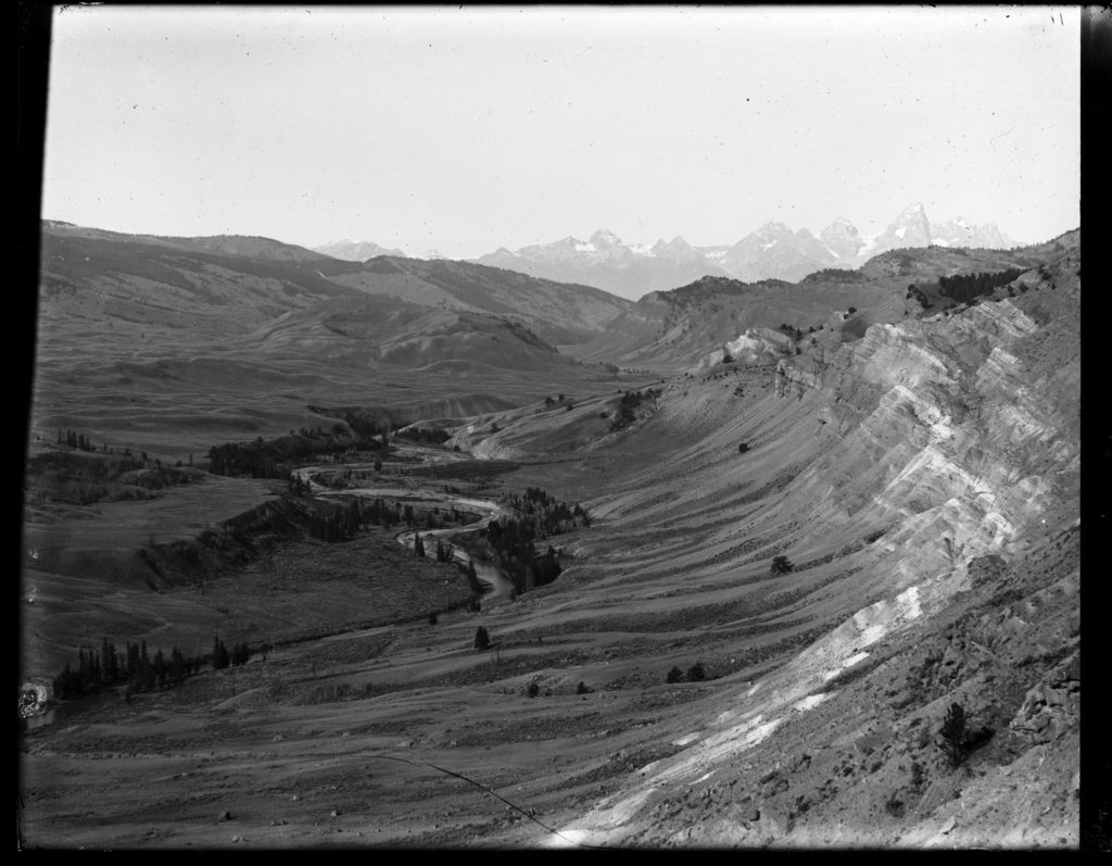 Gros Ventre River valley from the crest of Gray Hills near Dallas Lake, circa 1899. Merigliano estimated the year by noticing the absence of a road marked on a map in 1902. Date: Around 1899 Credit: Stephen N. Leek, Archived at the University of Wyoming American Heritage Center
